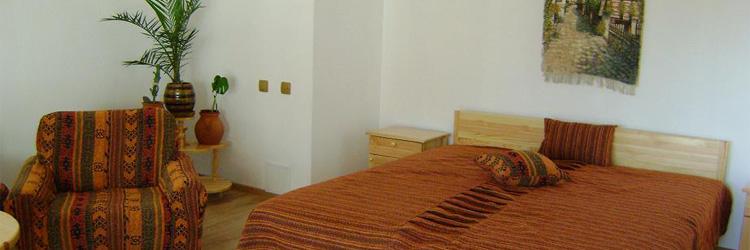 Семеен хотел М&С Панагюрище, Легло и кресло